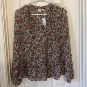NWT Gap floral ruffle button top